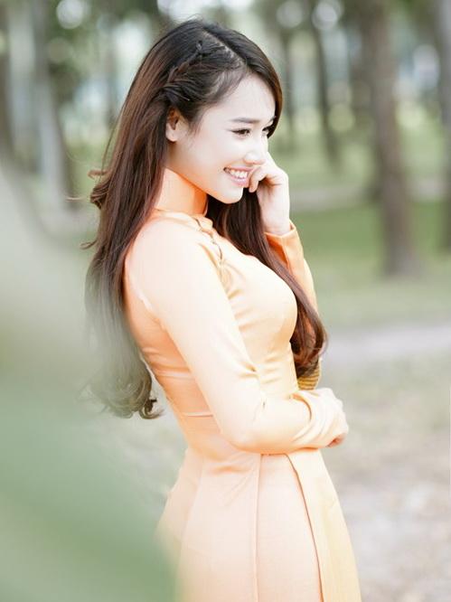 Anh nhớ em người yêu cũ - ca khúc nhạc trẻ được yêu thích của ca sĩ Minh Vương - sáng tác: Khánh Đơn