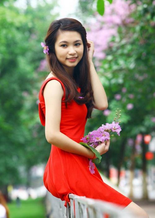 Hoa tím bằng lăng - chuyện tình đẹp đầy thơ mộng của tuổi học trò