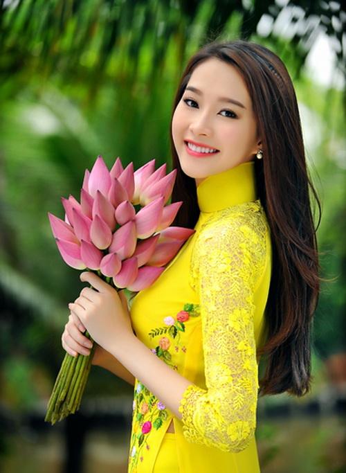 Xinh tươi Việt Nam - ca khúc ca ngợi vẻ đẹp duyên dáng của thiếu nữ Việt Nam