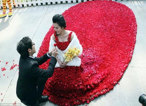 Trái tim anh thuộc về em - ca khúc nhạc trẻ tình yêu nổi tiếng của ca sĩ Lâm Vũ, sáng tác: nhạc sĩ Khánh Trung